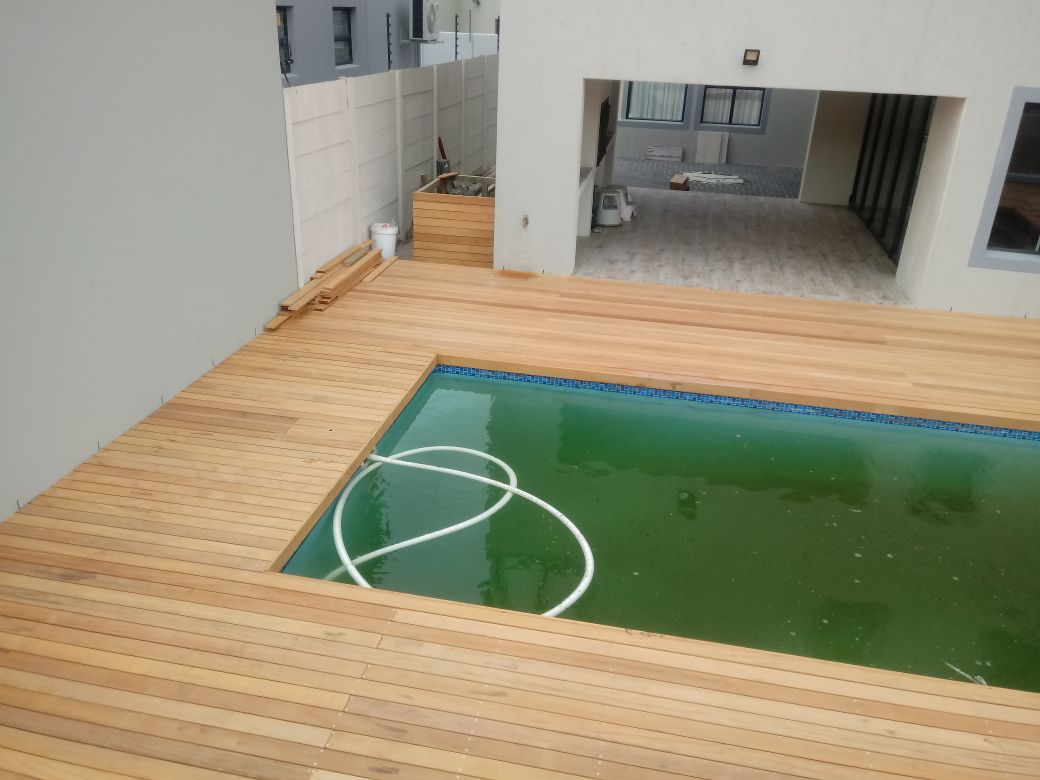 Pool Decking Cape Town - Garapa Wood 3